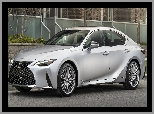 2021, Srebrny, Lexus IS